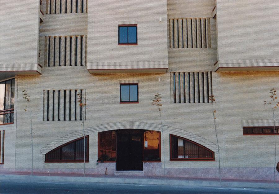 معماران ساختمان مسکونی خیران