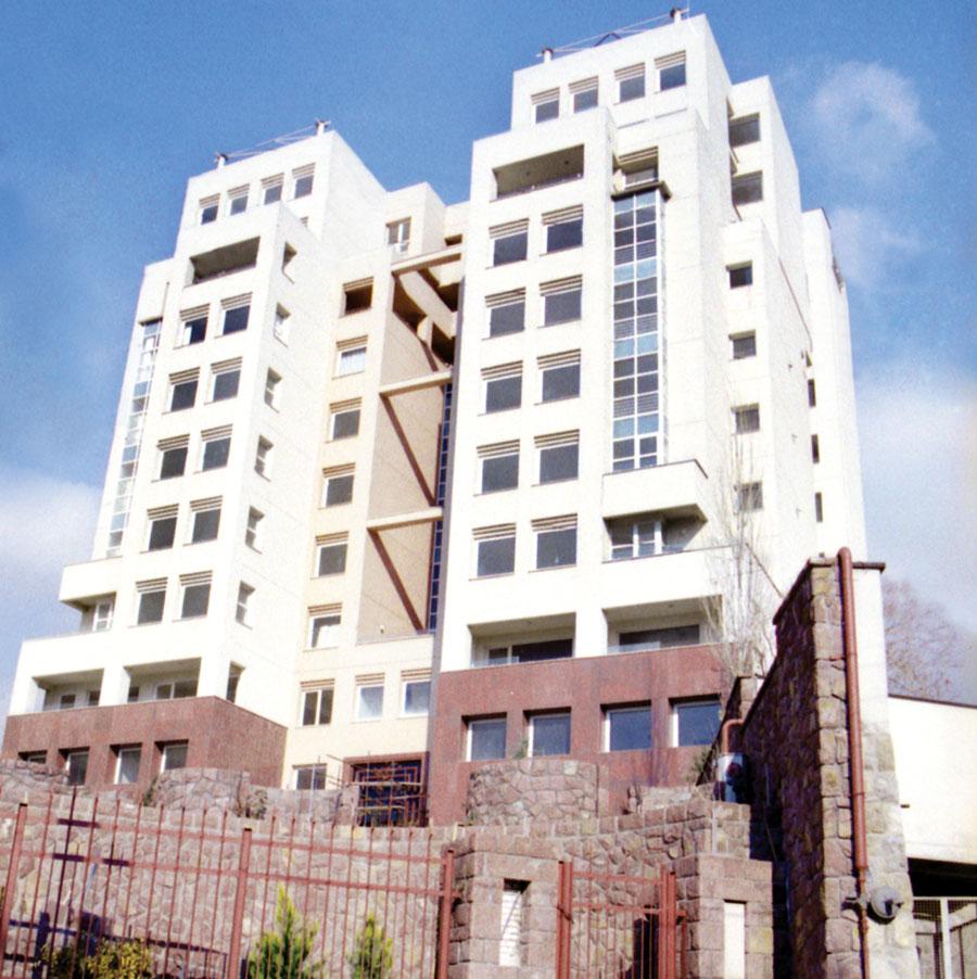 ساختمان مسکونی آبکوه