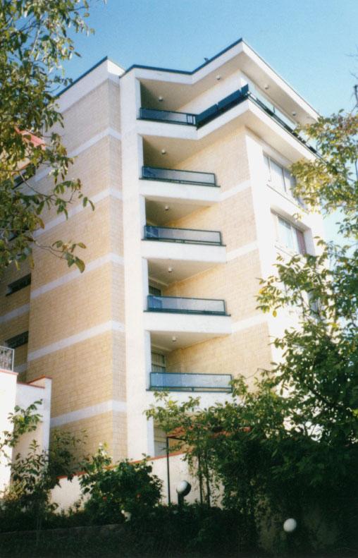 ساختمان مسکونی نیکوسخن