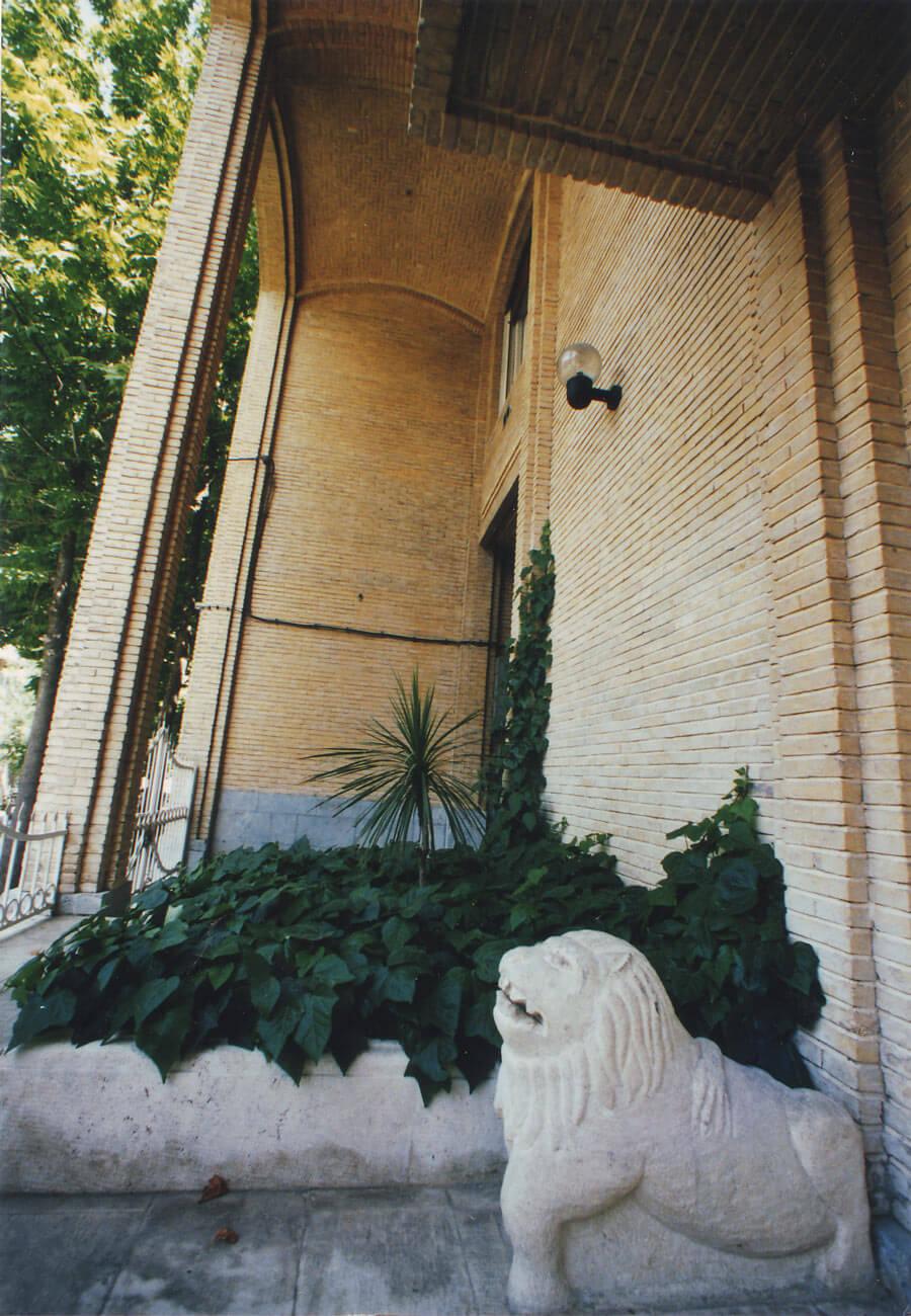 ساختمان مسکونی سرباز