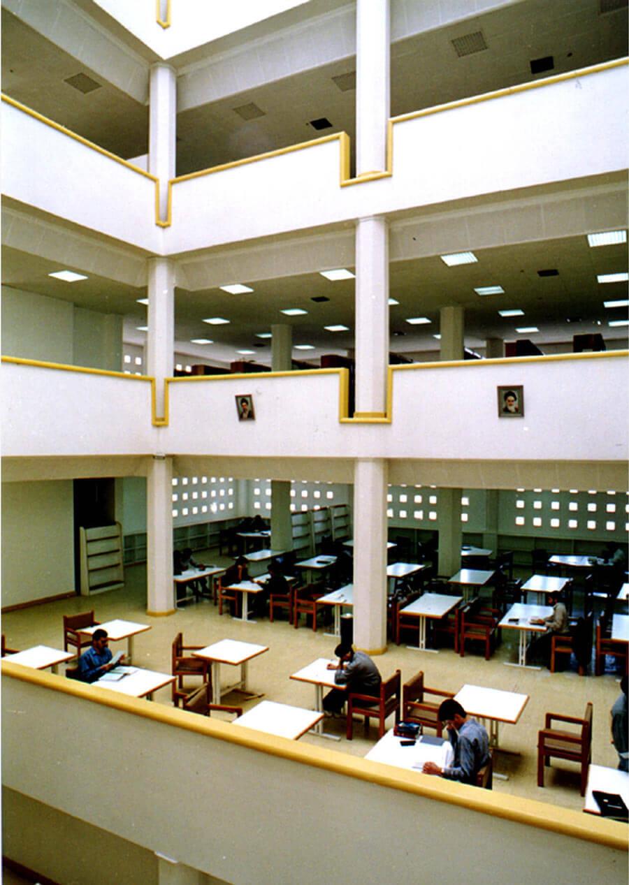 ساختمان کتابخانه شیراز