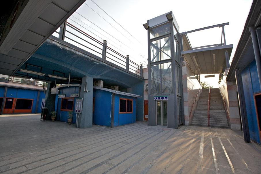 معماری قطار شهری مشهد