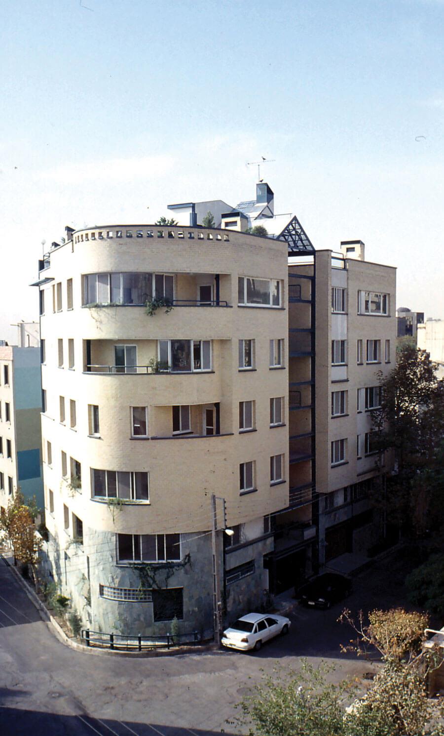 ساختمان مسکونی بهداد